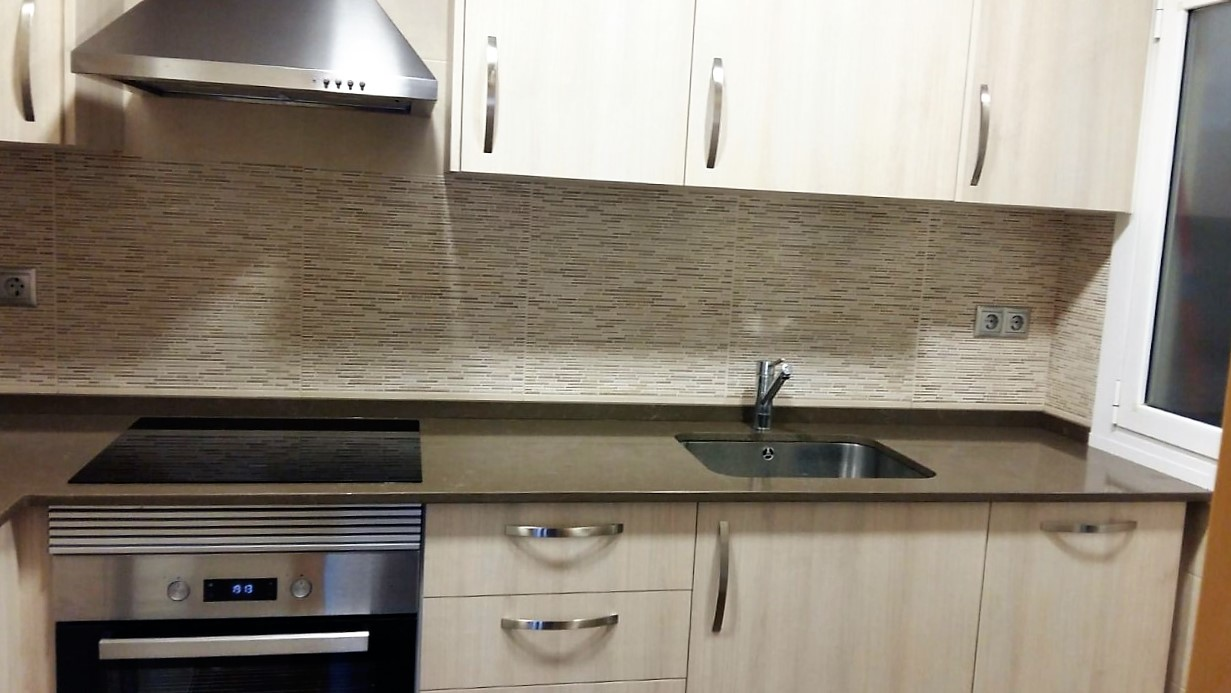 Galer a fet a mida - Revestimientos paredes cocina ...